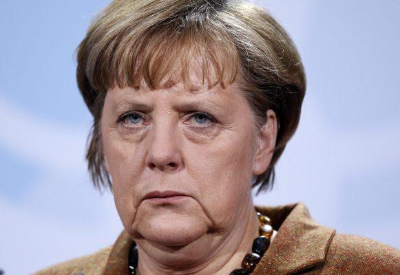 Merkel to Europe – Keep the Borders Open!